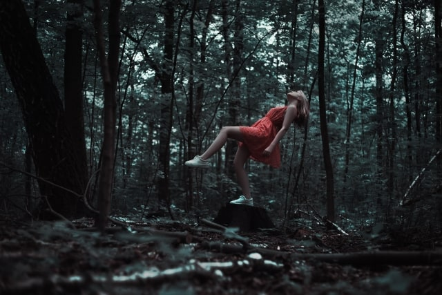 Forest Girl Red Dress -FreeStockPhotos.io-640x427