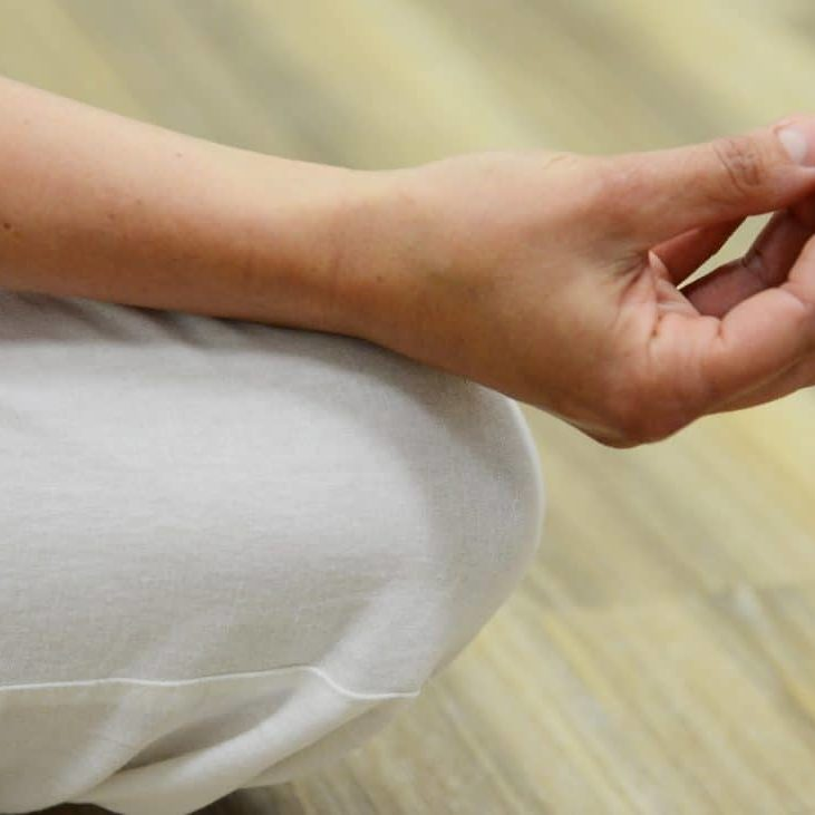 hand-woman-leg-finger-meditate-arm-1403729-pxhere.com